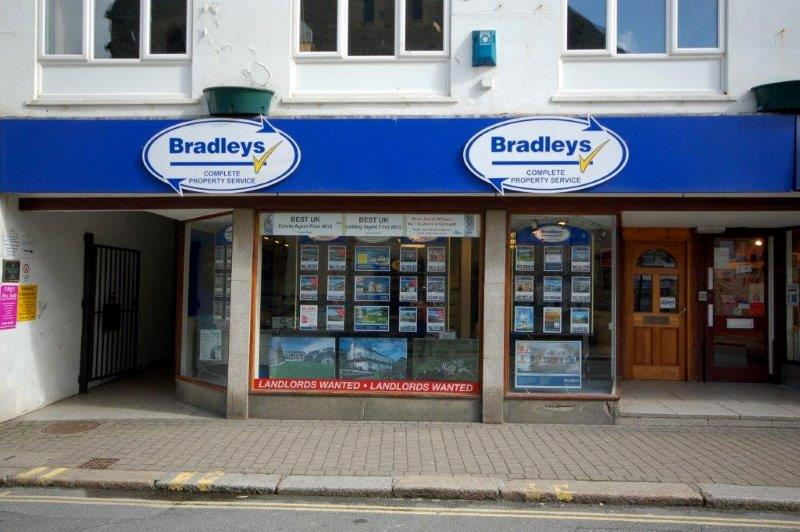 Bradleys Estate Agents - Looe, PL13