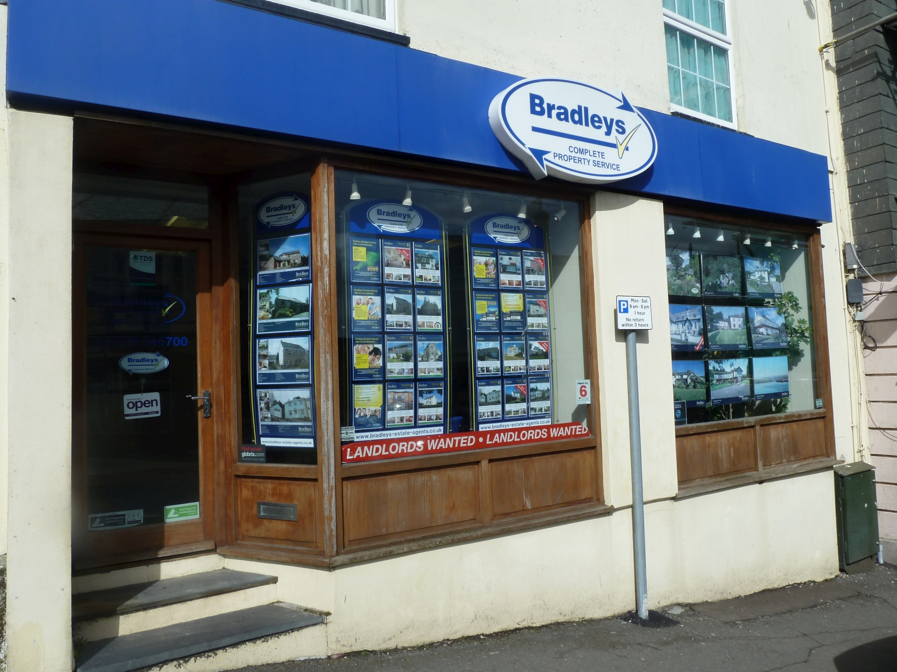 Bradleys Estate Agents - Liskeard, PL14