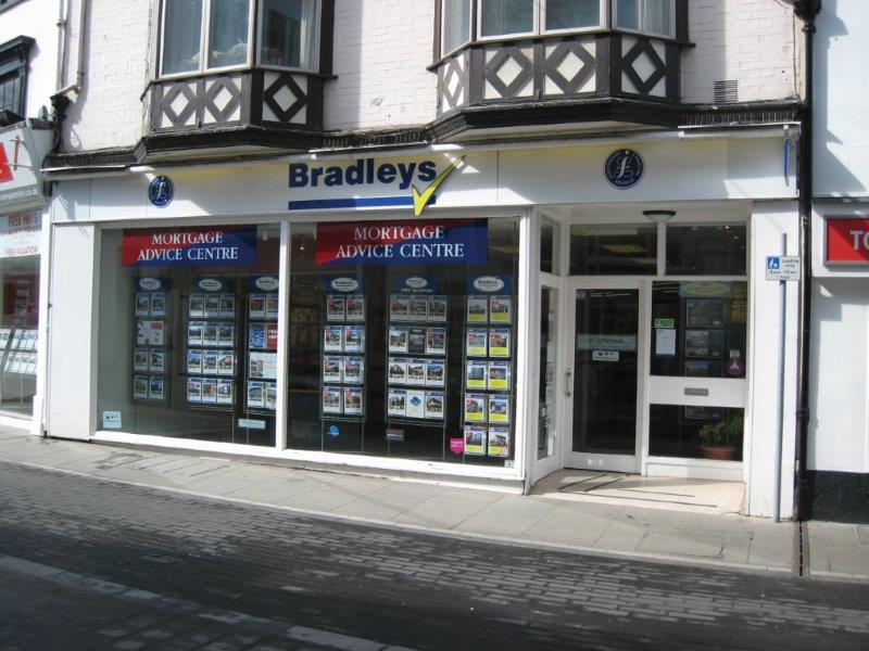 Bradleys Estate Agents - Newton Abbot, TQ12