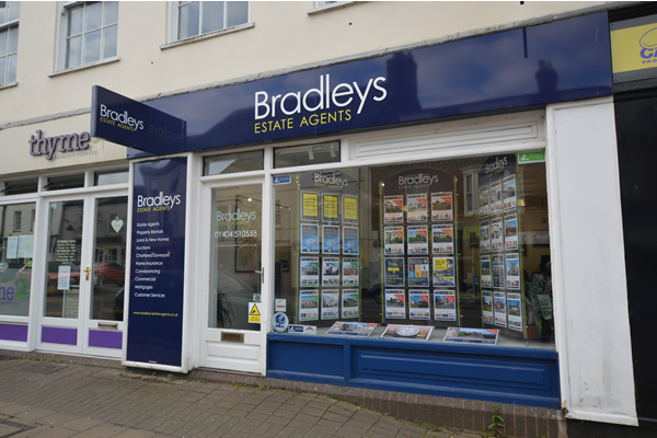 Bradleys Estate Agents - Honiton, EX14
