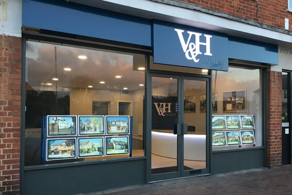 V & H Homes Ltd - Fetcham, Leatherhead, KT22