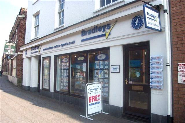Bradleys Estate Agents - Taunton, TA1