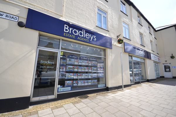 Bradleys Estate Agents Image 1