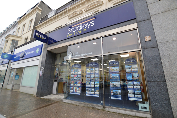 Bradleys Estate Agents - Mutley, Plymouth, PL4